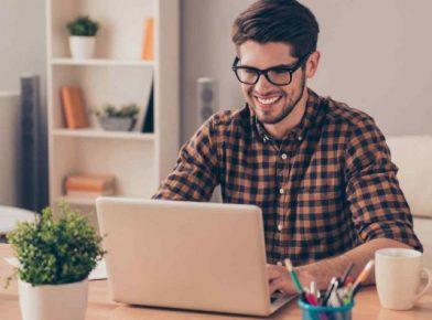 Tecnologia no trabalho: como ela ajuda na atração de talentos?