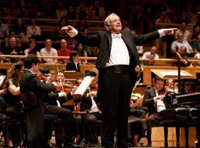 Inovando diante dos desafios: 4 lições de carreira do maestro João Carlos Martins