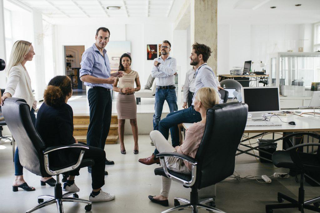 conversa sobre remuneração no ambiente corporativo
